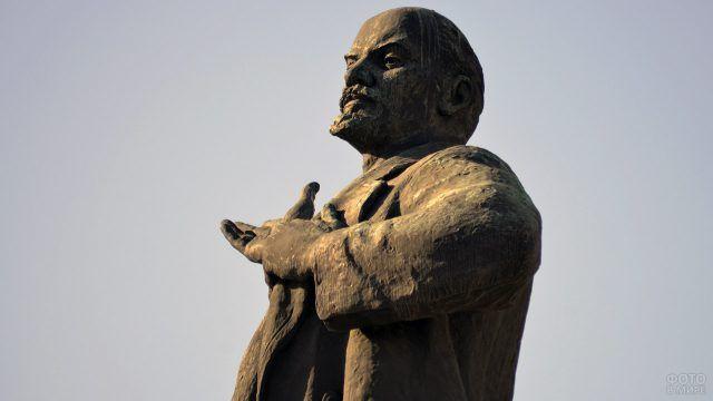 Фрагмент памятника Ленину в Екатеринбурге