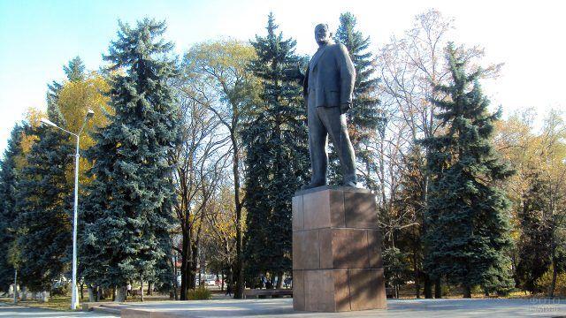 Памятник Ленину Черкесск