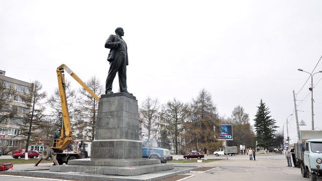Реставрация памятника Ленину 1958 года