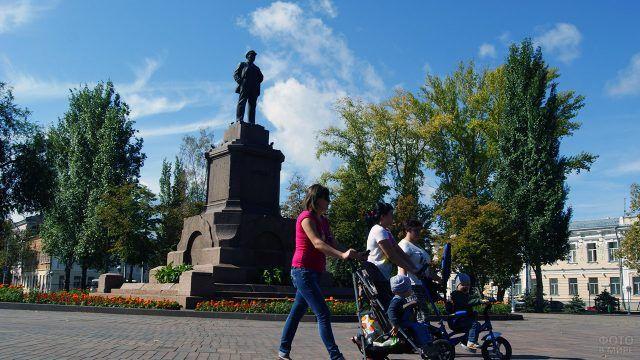 Самарская площадь Революции