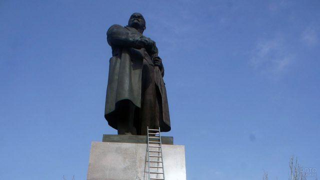 Снос памятника Ленину в Николаеве
