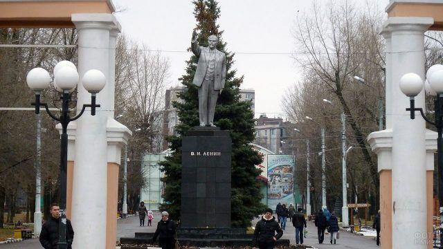Современный Белгород - памятник Ленину