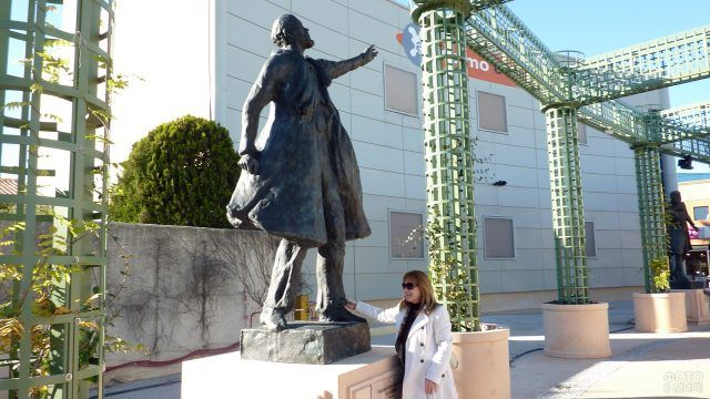 Статуя Ленина во французском Монпелье
