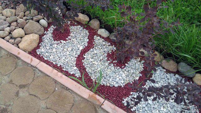 Мрамор в декоративном саду камней