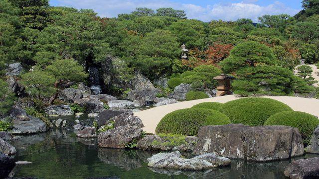 Сад камней при Музее искусств Адаши