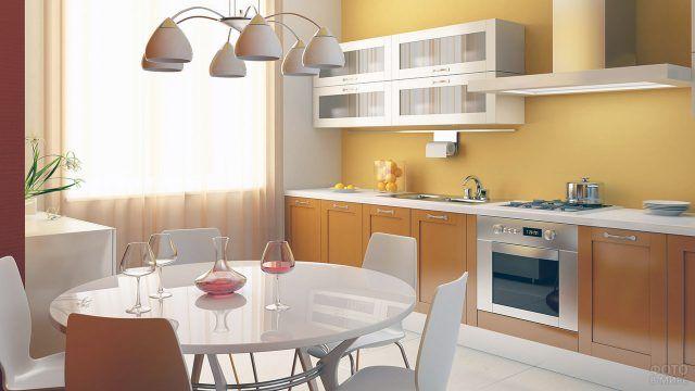Солнечная гамма интерьера типовой кухни
