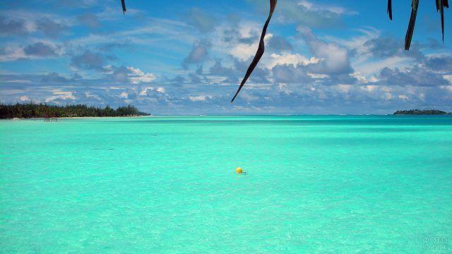 Линия горизонта с острова Бора-Бора