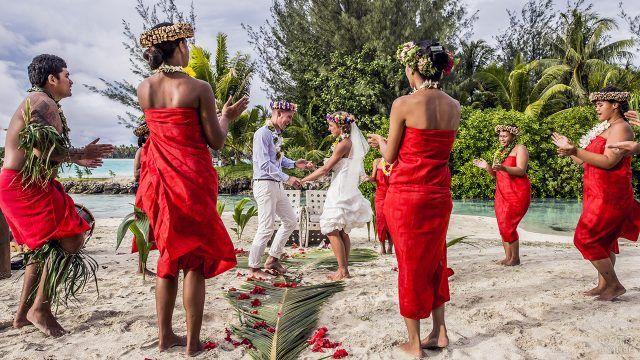 Свадьба на Бора-Бора с этническим колоритом