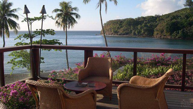 Веранда отеля во французской Полинезии
