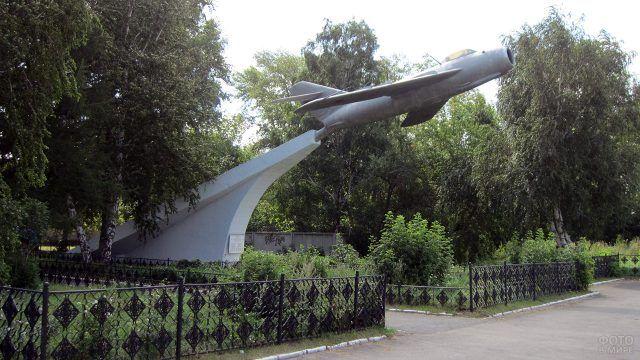 Памятник погибшим авиаторам в Челябинске
