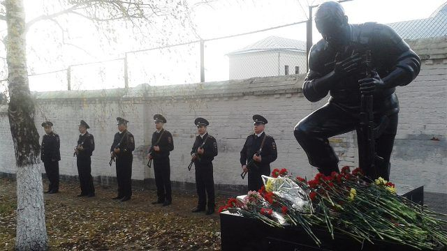 Памятник погибшим сотрудникам МВД в Серпухове