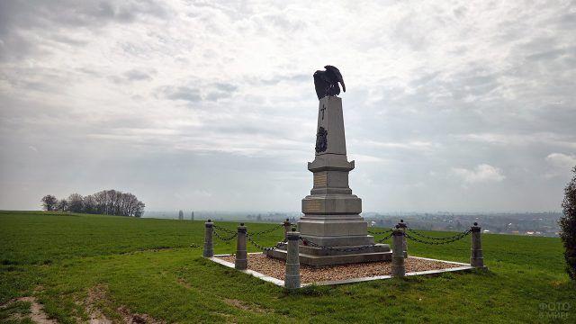 Памятник погибшим в битве при селении Хлум