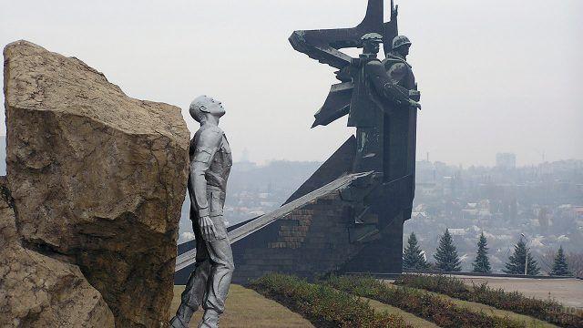 Памятник погибшим воинам-афганцам