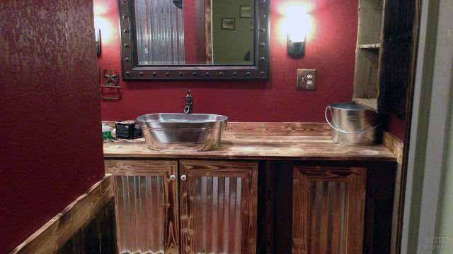 Яркий дизайн ванной комнаты с паллетной мебелью