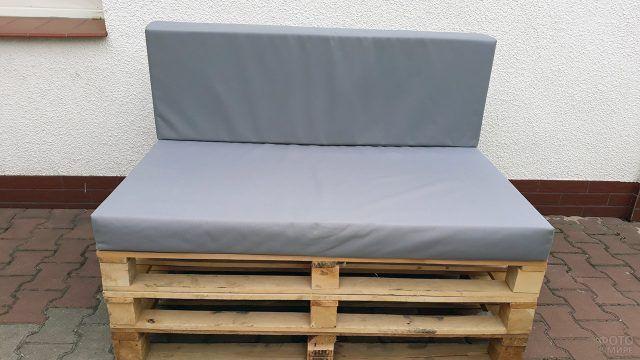 Мягкие подушки для мебели из поддонов