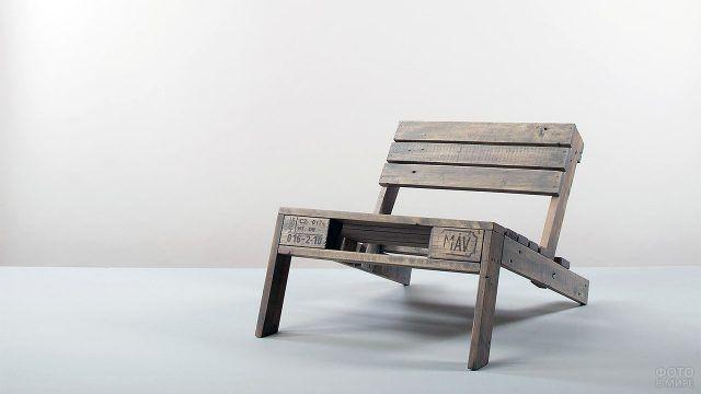 Оригинальный стул из паллет