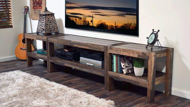 Паллетная ТВ-тумба для гостиной