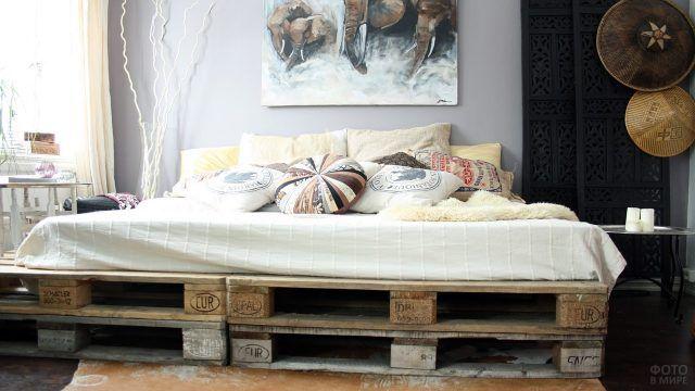 Платформа из паллет для широкой кровати