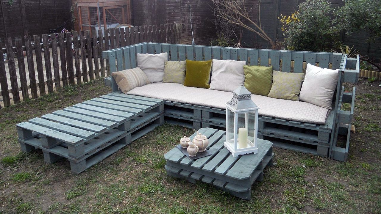 Садовый гарнитур из паллет бирюзового цвета