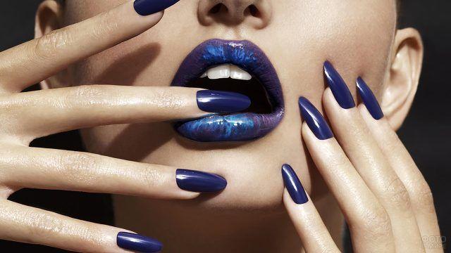 Дерзкий маникюр цвета индиго на длинных ногтях