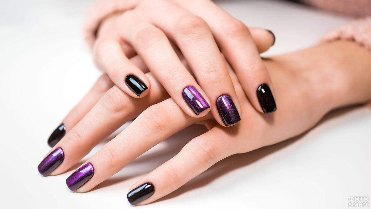 Глубокий фиолетовый маникюр с эффектом металлик