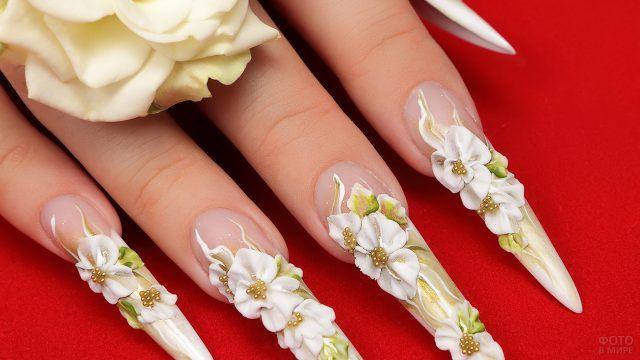 Объёмные белые цветы для декора накладных ногтей