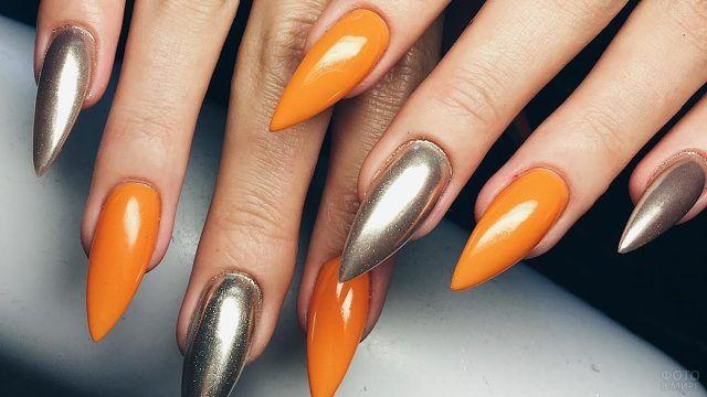 Шикарный оранжево-золотой маникюр на накладных стилетах
