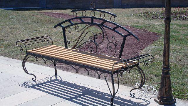 Фигурная парковая скамейка