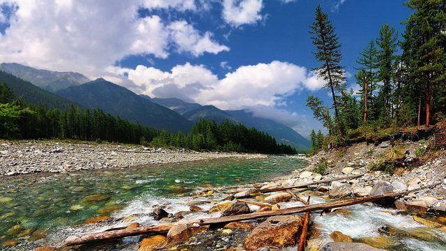 Горная река Шумак в Бурятии