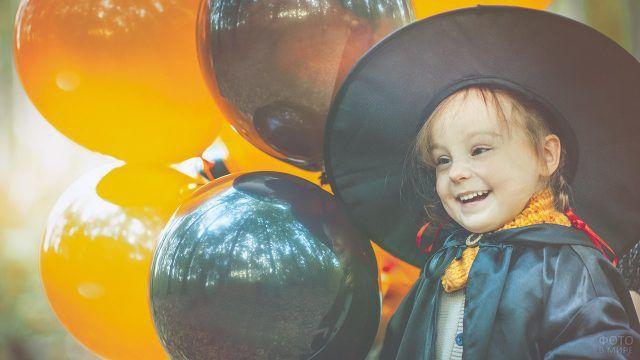 Оранжевые и чёрные шарики на хэллоуин