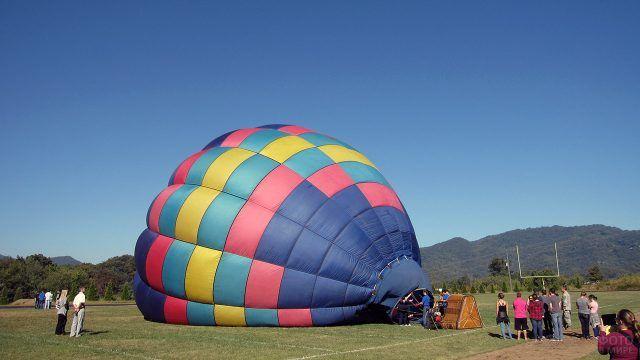 Подготовка воздушного шара к полёту
