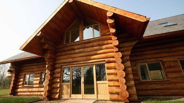 Канадский деревянный дом из кругляка