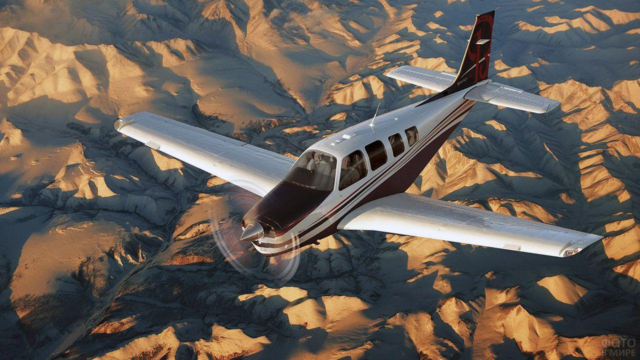 Одномоторный самолёт над снежной пустыней