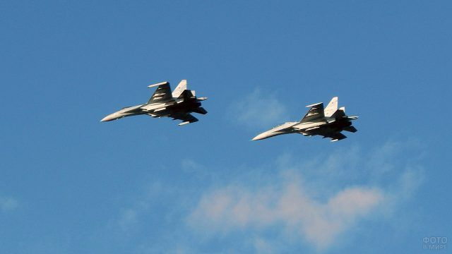 Тренировочный полёт Су-35
