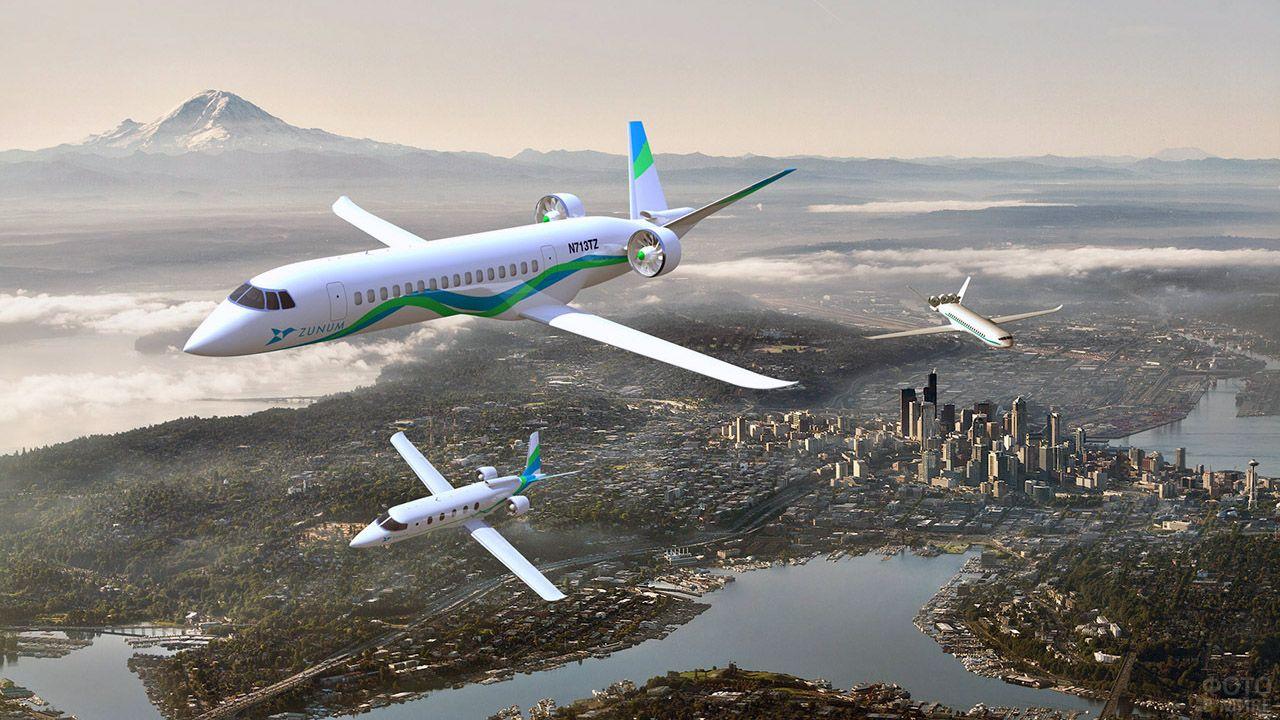 Взлёт пассажирских самолётов над мегаполисом