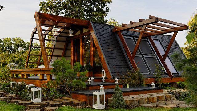 Модульный эко-дом с очень нестандартной крышей