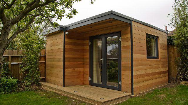 Современный модульный садовый домик с плоской крышей