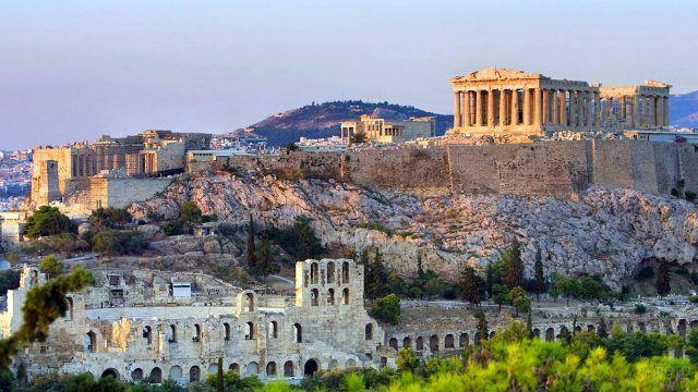 Древние Афины в лучах заходящего солнца