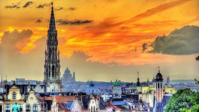 Закатное небо над Брюсселем
