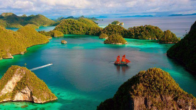 Алые паруса в бухте Бали