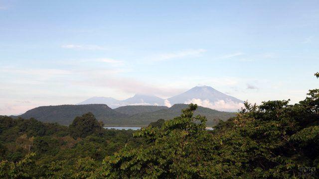 Классический индонезийский пейзаж с острова Бали