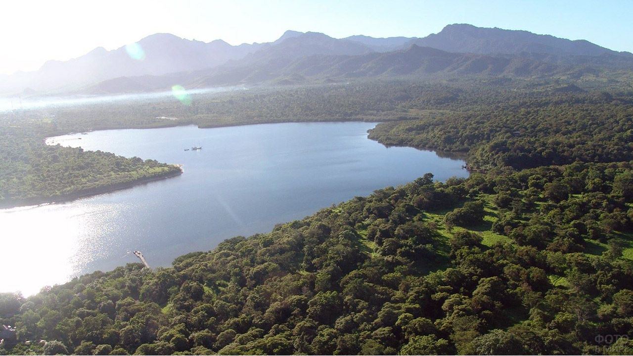 Западный край острова Бали с высоты птичьего полёта