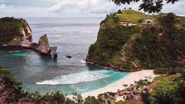 Зелёная бухта на острове Бали
