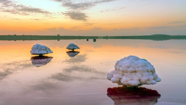 Закат над озером в Сенегале