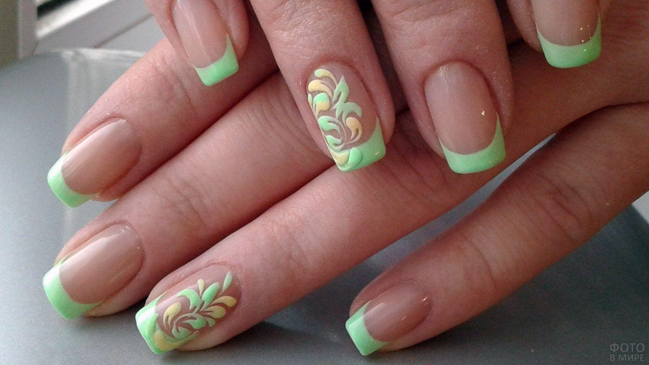 Салатово-зелёный френч с орнаментом