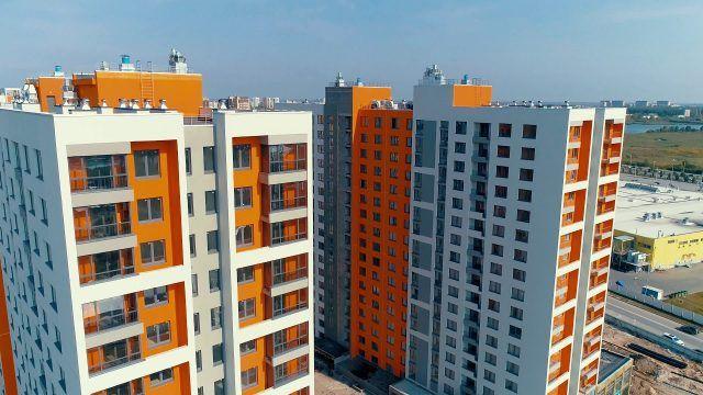 Цветные фасады современных многоэтажек