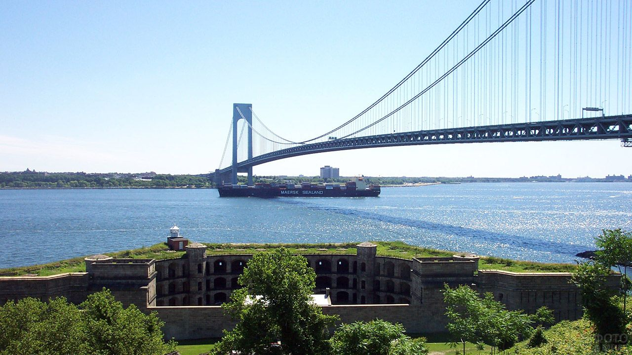 Десятый в мире по длине висячий мост Верразано в США