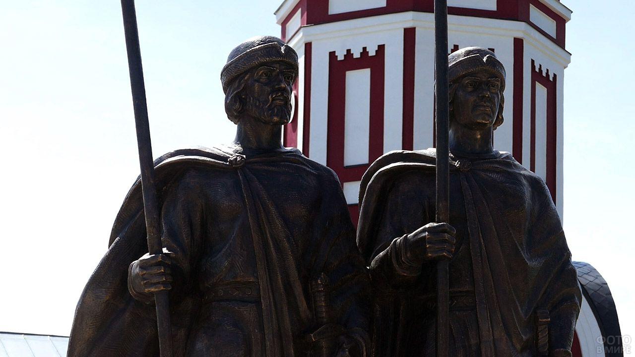 Памятник небесным покровителям Борису и Глебу в Борисоглебске Воронежской области