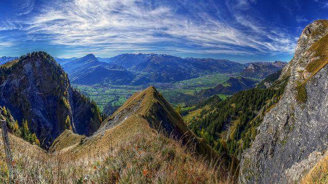 Панорамный вид с вершины Демержи-Яйла в Крыму