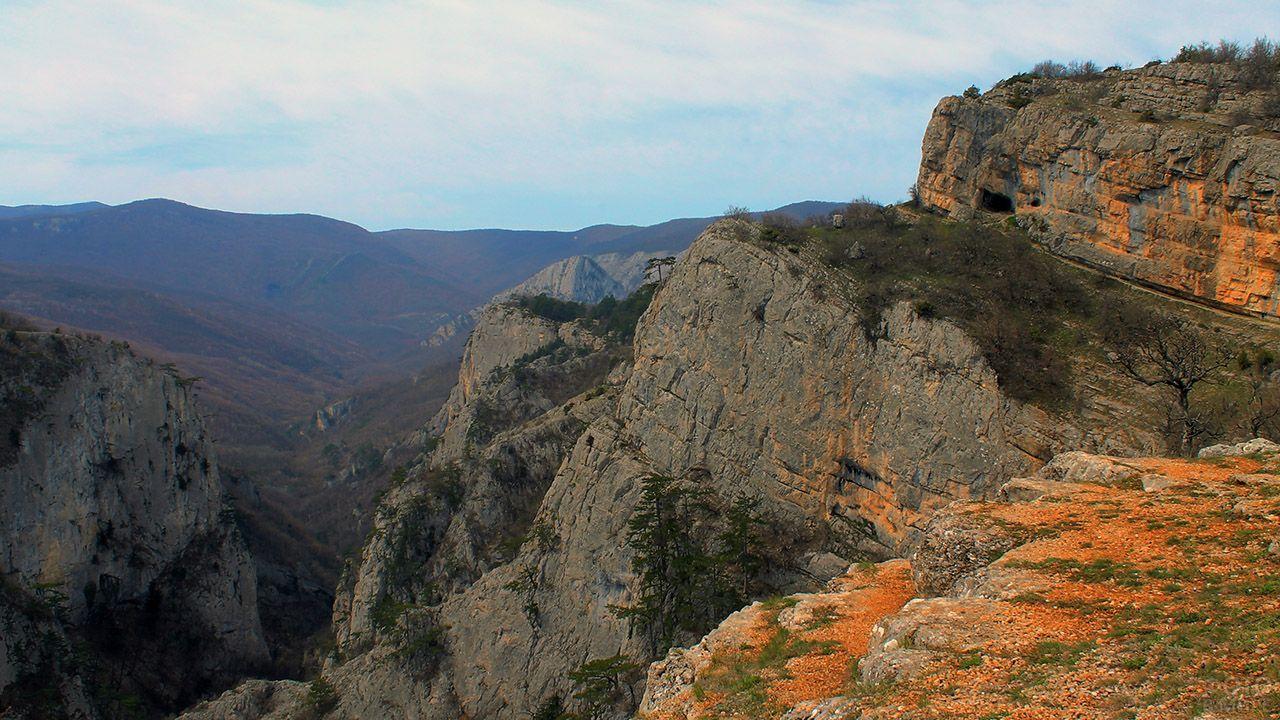 Подъем на Ялтинскую яйлу из Большого Каньона в Крыму